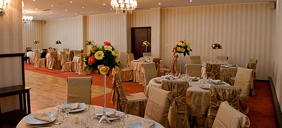 Picture weddings and events at the Crossroads Inn