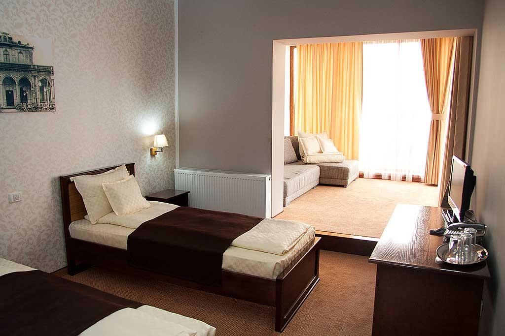 Camera hotelului hanul rascruce